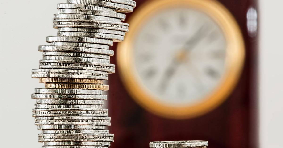 https://www.financialwellbeingacademy.be/wp-content/uploads/2020/02/Wat-is-money-mindfulness.jpg